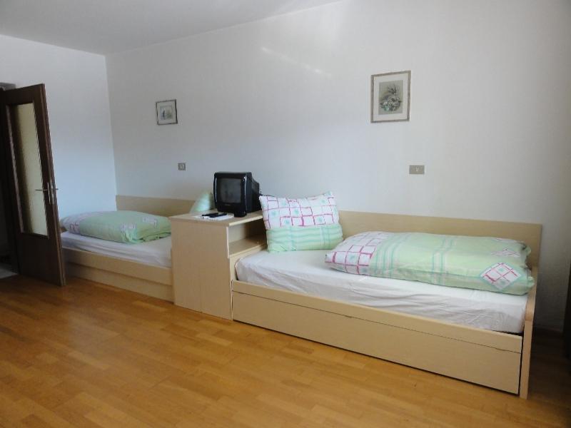 2 wohnung ferienwohnungen lupwald. Black Bedroom Furniture Sets. Home Design Ideas